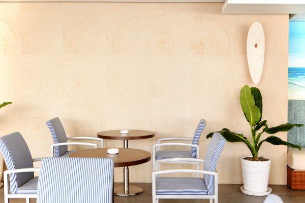 マリンテイストのカフェ